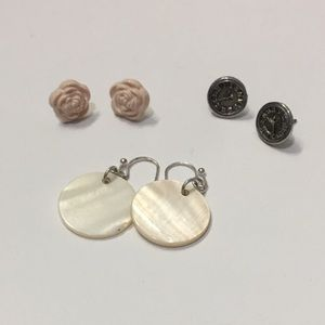 Jewelry - Fashion earring bundle